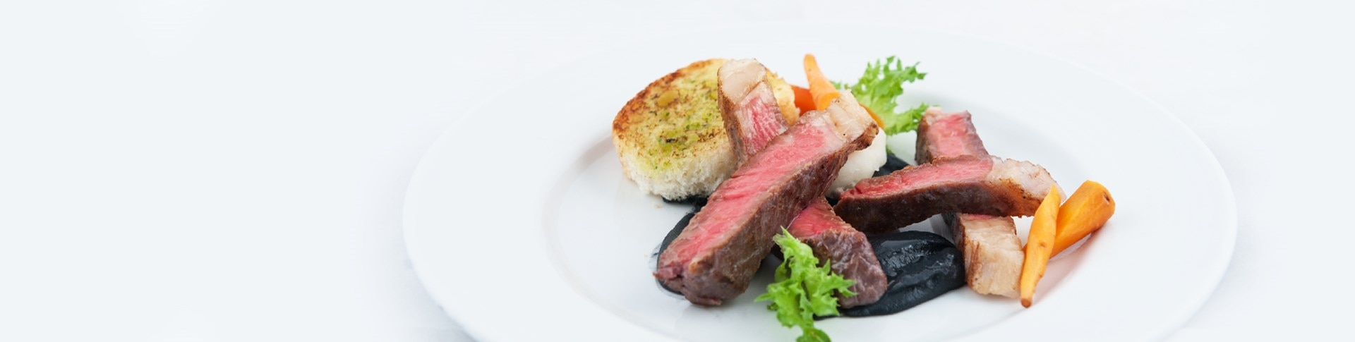 Aberdeen Angus rib-eye, mushroom puree and beef tea
